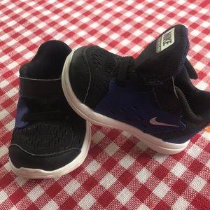 Boys infant Nike sneakers size 3